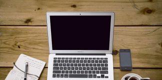 Praca w domu – jak właściwie urządzić przestrzeń?