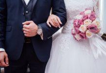 Modne i wygodne sukienki ciążowe na wesele