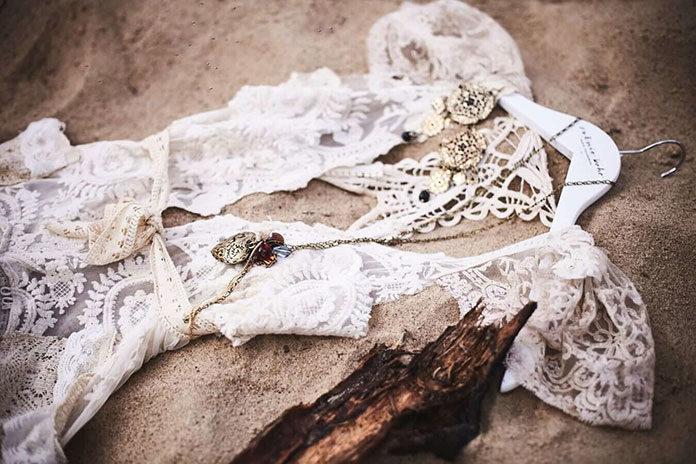Koronkowe suknie ślubne - praktyczność i delikatność w jednym