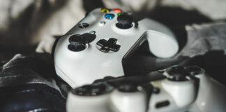 Xbox Series X czy PlayStation 5 - porównanie dwóch wyczekiwanych konsoli w 2020 roku